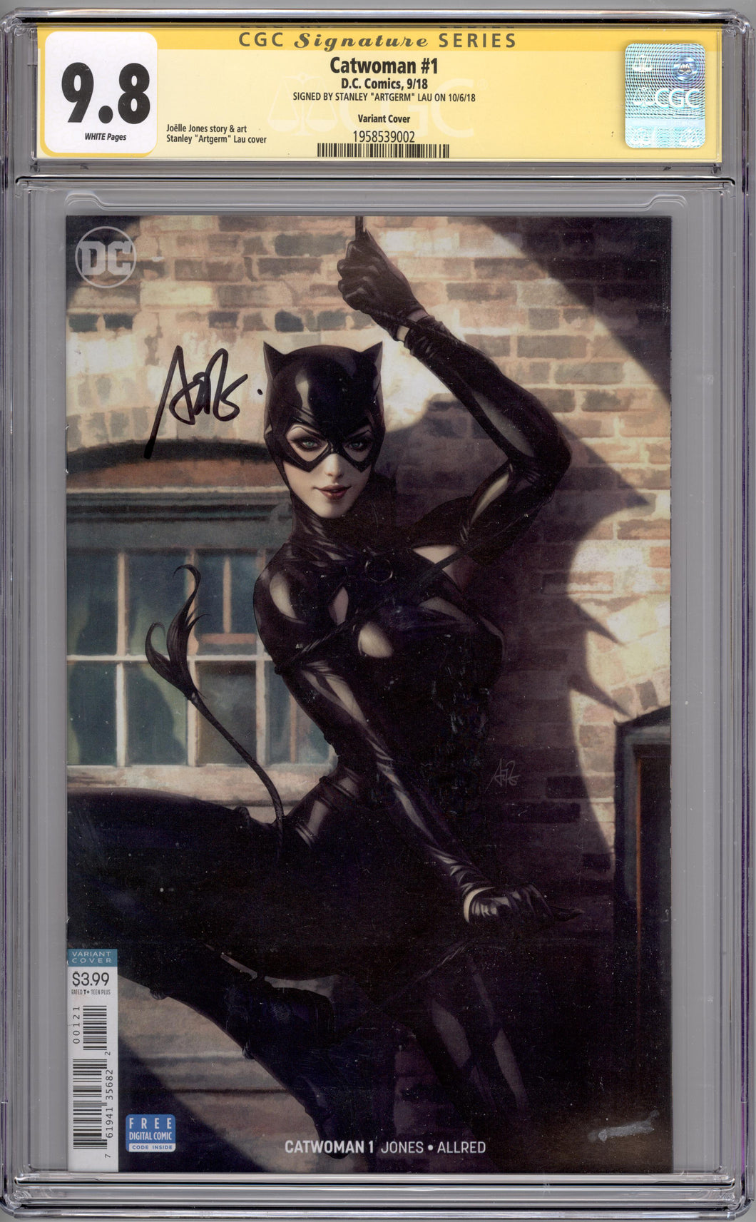 CATWOMAN  #1  CGC SS 9.8  (SIGNED ARTGERM)