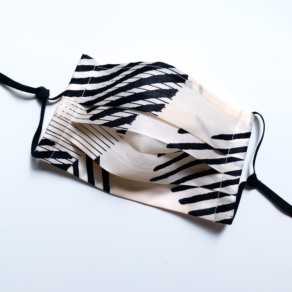 Cotton furoshiki face mask (Dots Black)