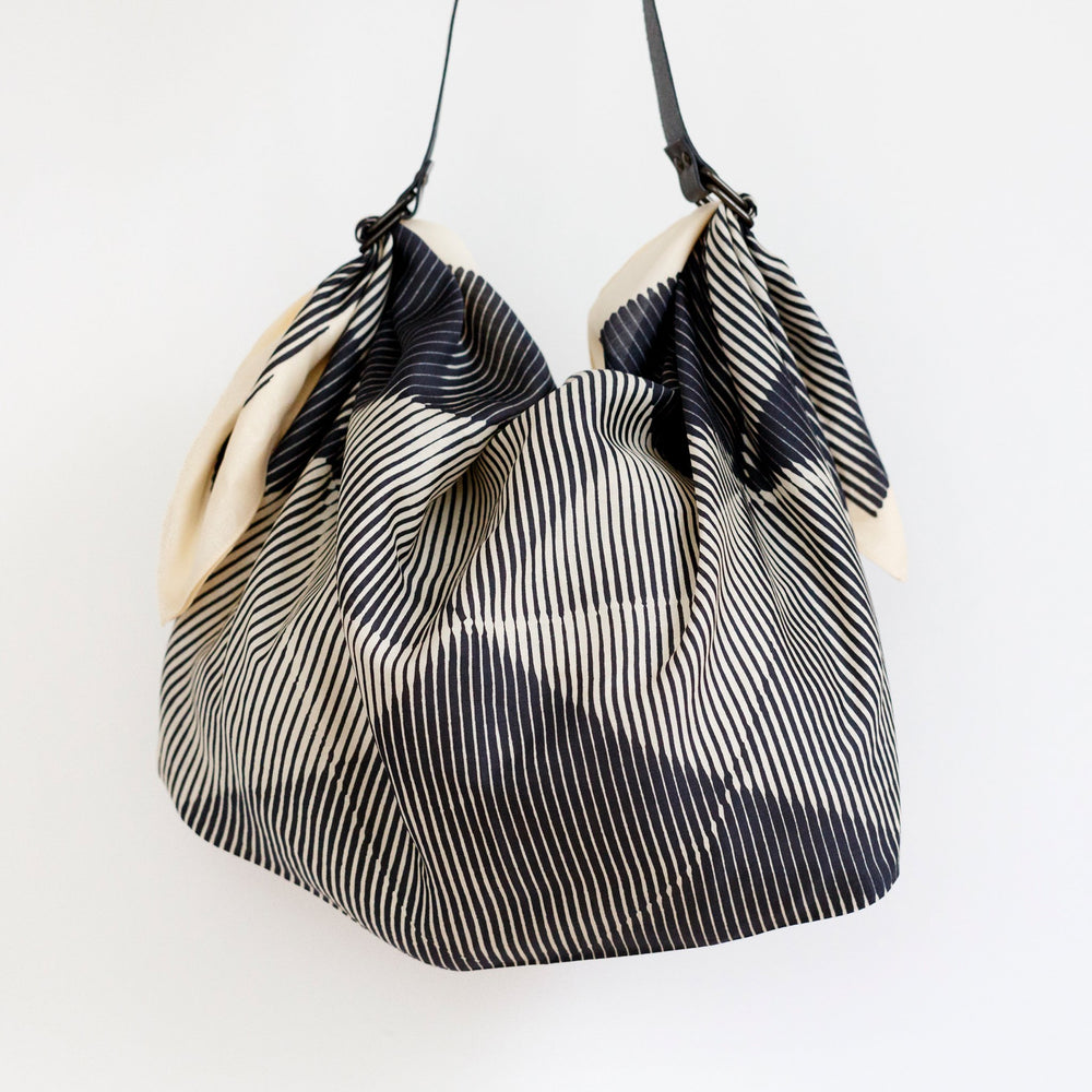 """Folded Paper"" furoshiki (black) bag set"