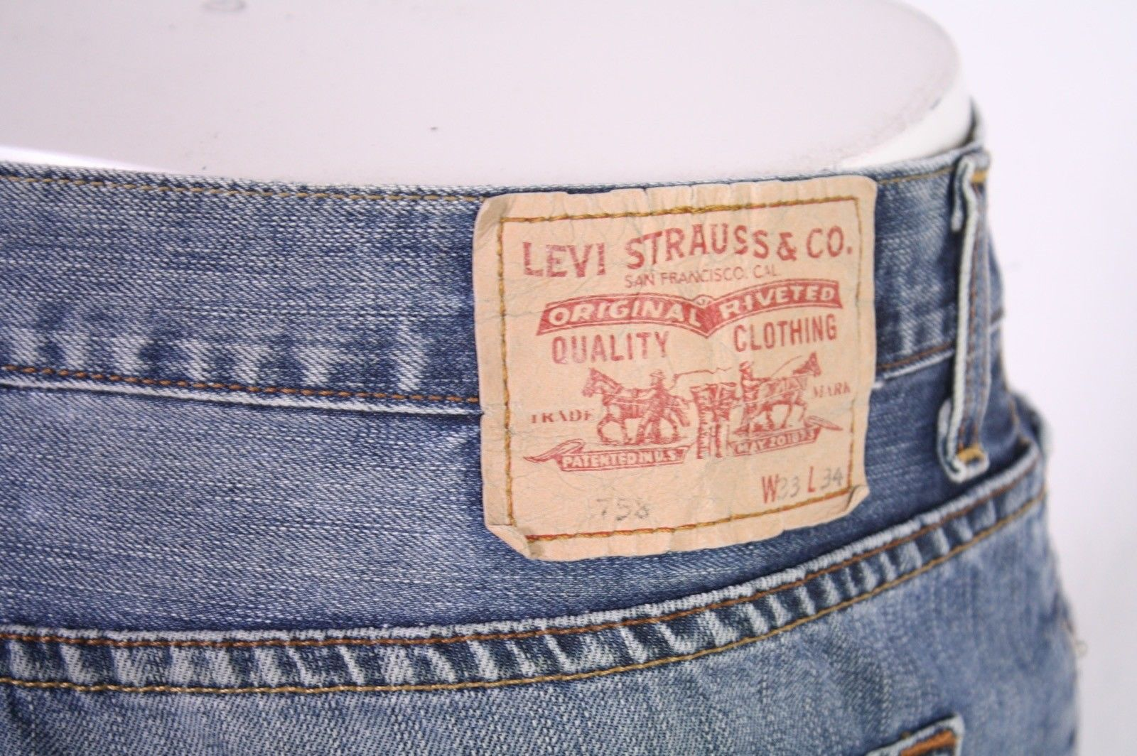 BJ2-34 Levis 758 Jeans W33 L34 blau loose straight Button Fly Used-Look Vintage