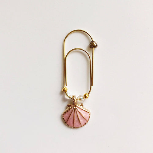 Seashell Wide Paperclip Charm (Pink)