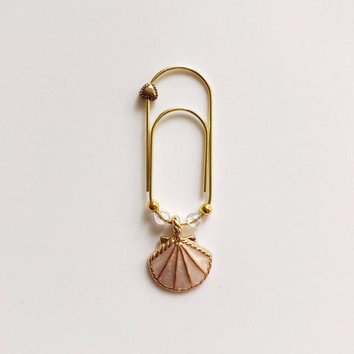 Seashell Wide Paperclip Charm (White)