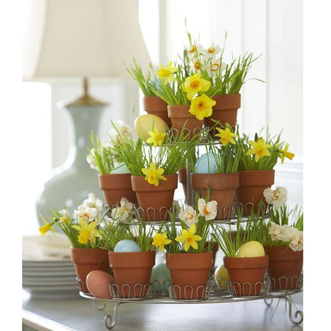 Alternative use of cake stand Easter Table Center