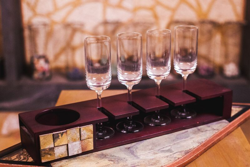 Champagne Tray With Glasses - Navvi Lifestyle