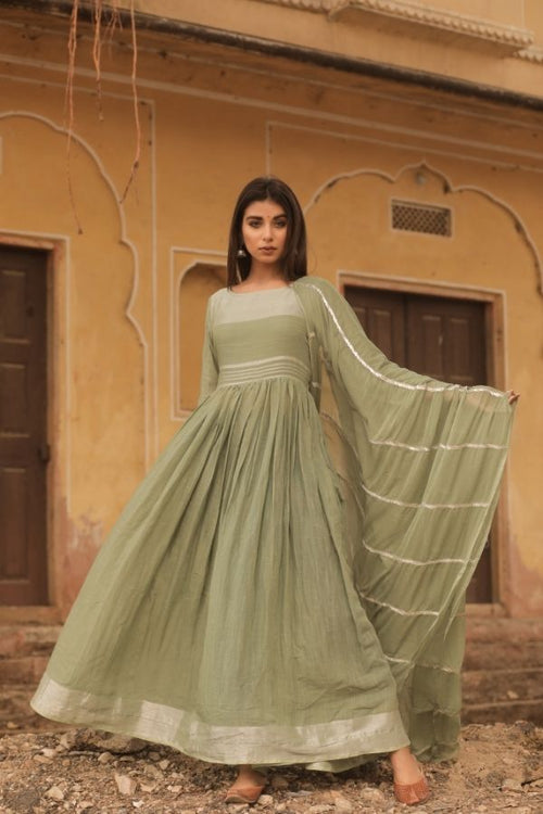 gown,olive green gown set,women gown, fasahion,ethnic fashion,women collection,online fashion,gown for parties, gowns for wedding,bride to be,bride collection,madras silk,madras silk gown,navvi,navvi.in