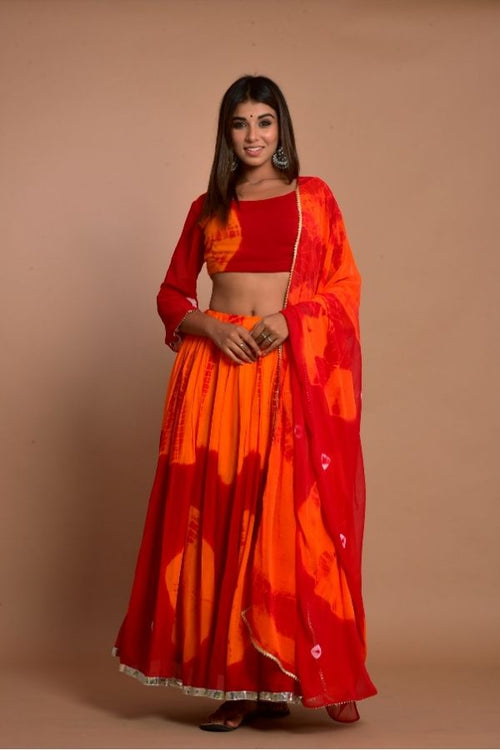 lehenga redlehenga ethniclehengaset rajasthanilehenga bridetobe ethnicwear ethnicollection weddingwear womencollection fashion woomenfashion onlinelehenga navvi navvi.in