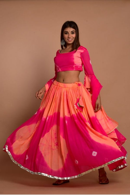 lehenga pinklehenga ethniclehengaset rajasthanilehenga bridetobe ethnicwear ethnicollection weddingwear womencollection fashion woomenfashion onlinelehenga navvi navvi.in