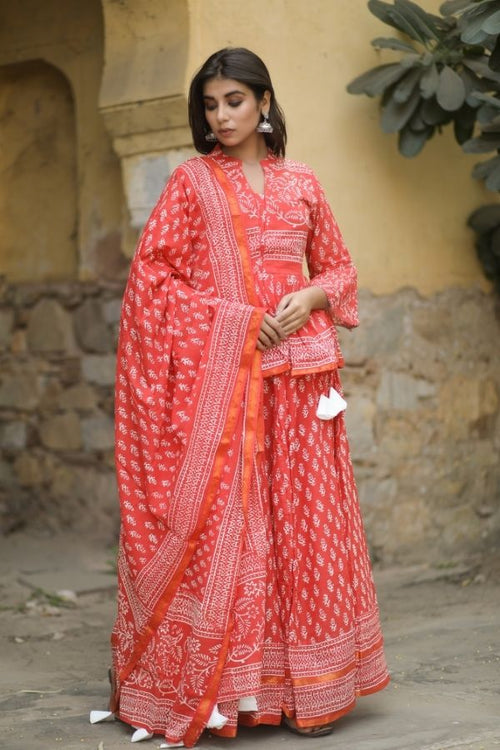 lehenga,lehenga set,red lehenga set,ethnic wear,ethnic lehenga set,fashion,ethnic fashion,wedding wear,wedding collection,women ,women fashion,lehenga with dupatta,lehenga with choli and dupatta,navvi,navvi.in