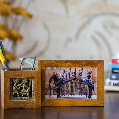 Pen Stand With Photo Frame