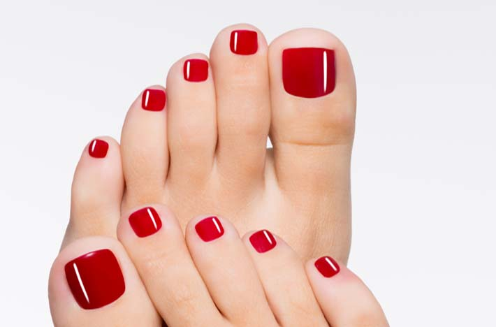 Pedicure con Semipermanente Opi
