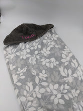 Load image into Gallery viewer, Hooded Towel - Leaves of Grey