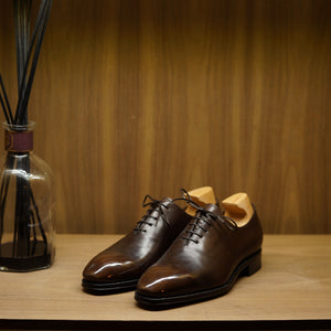 Yanko Wholecut Brown Museum Crust Calf