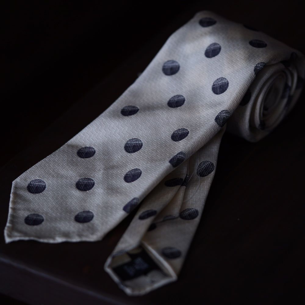 Seven Fold Cream with Navy Big Dot Silk Jacquard Tie