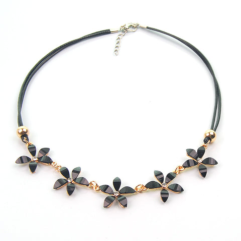 Rhinestone Flowers Choker Necklace
