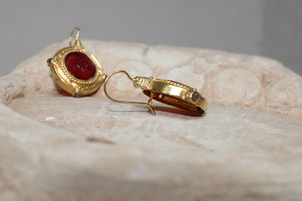 Chimera Glass Paste Earrings in Red