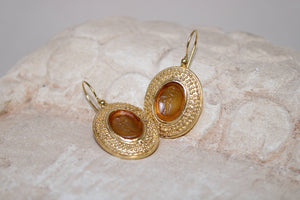 Angelos with Lyra Glass Paste Earrings