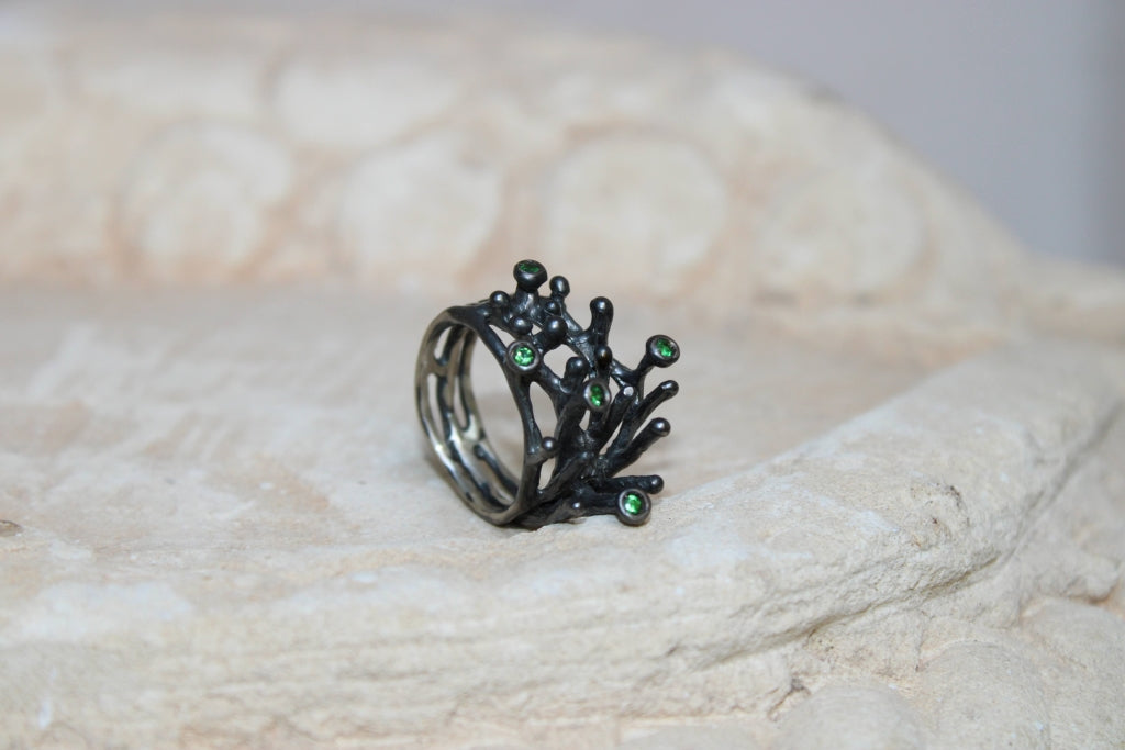 Minima Ring with Tsavorite