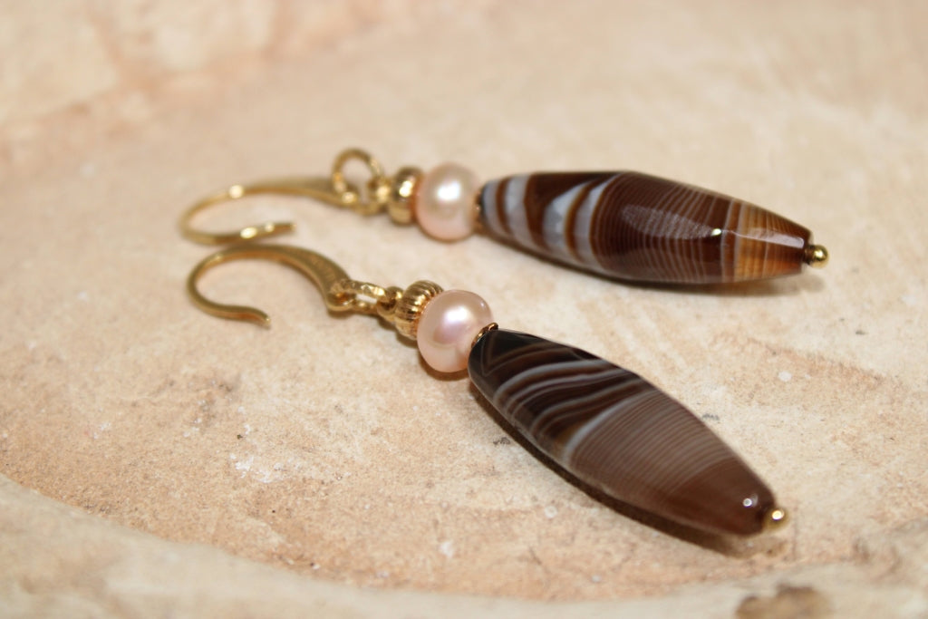 Agate and Pearls Earrings
