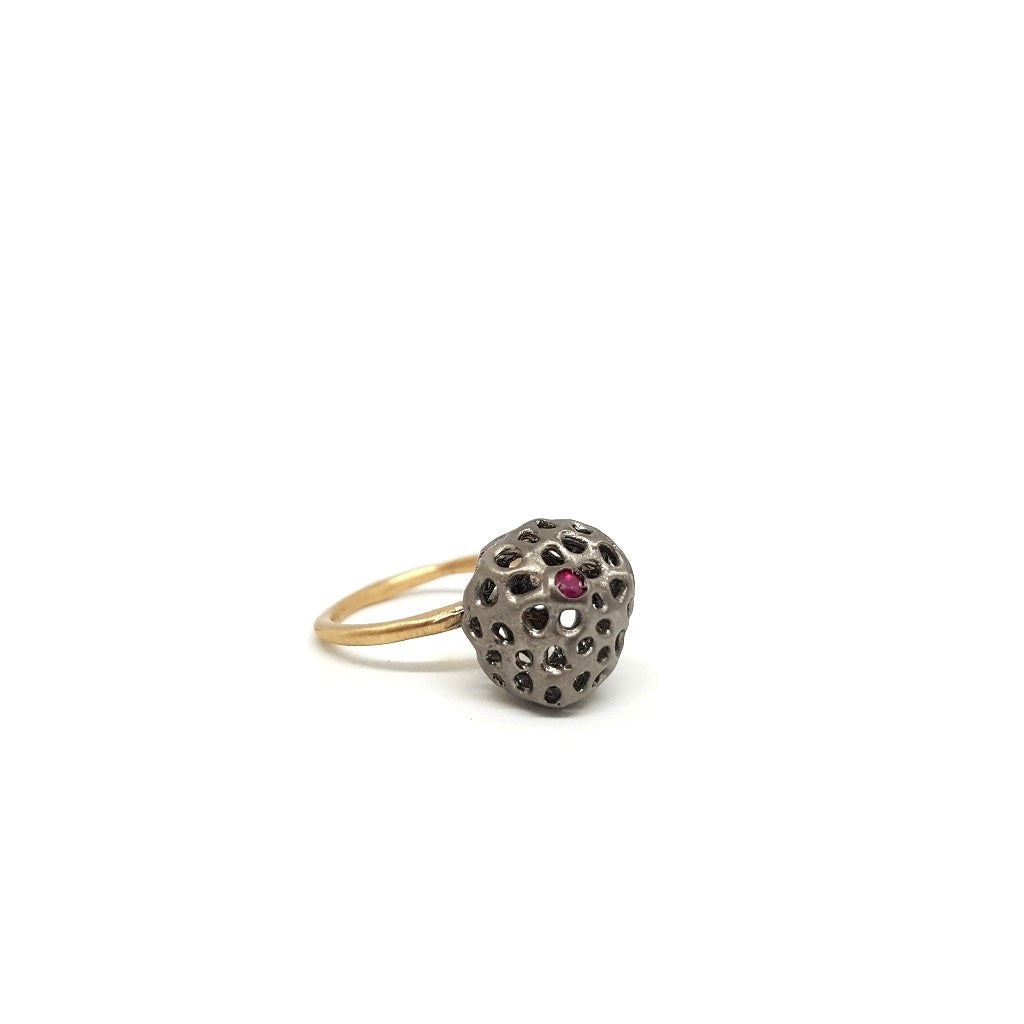 Ring Aria Small with Ruby in Black