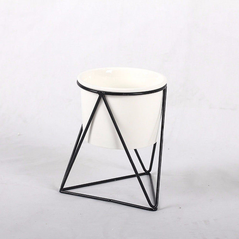 Triangle Stand & Planter (Black)