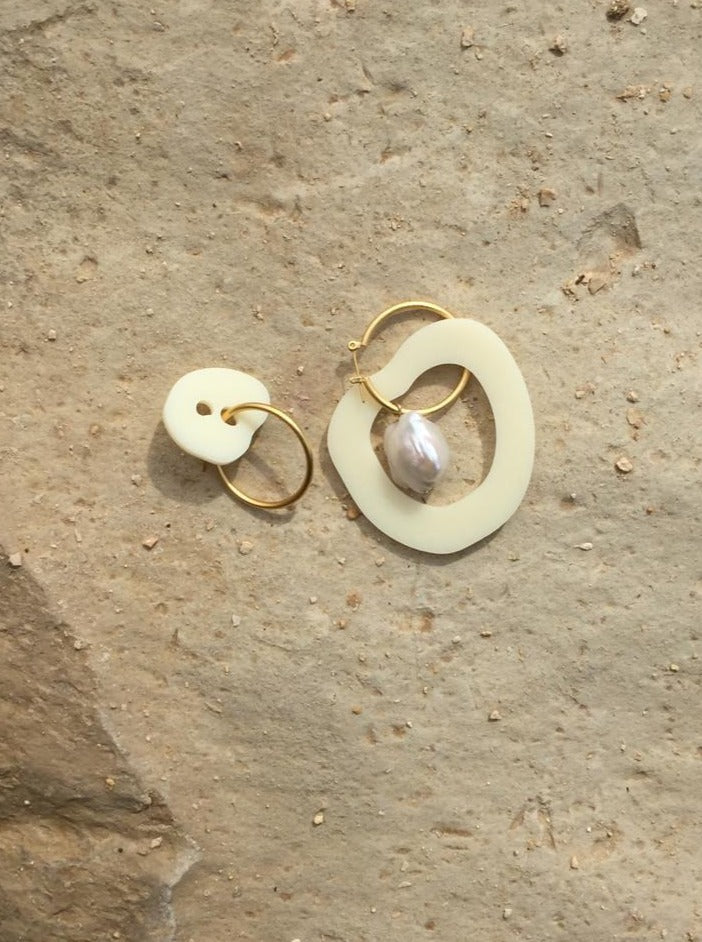Abstract beige earrings - OFIR IVGI