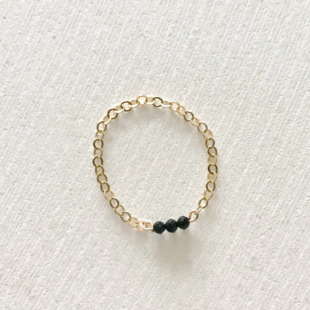 DAINTY chain black spinel ring