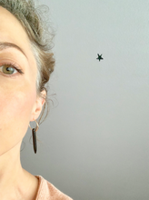 NAYLA black howlite single spike earring