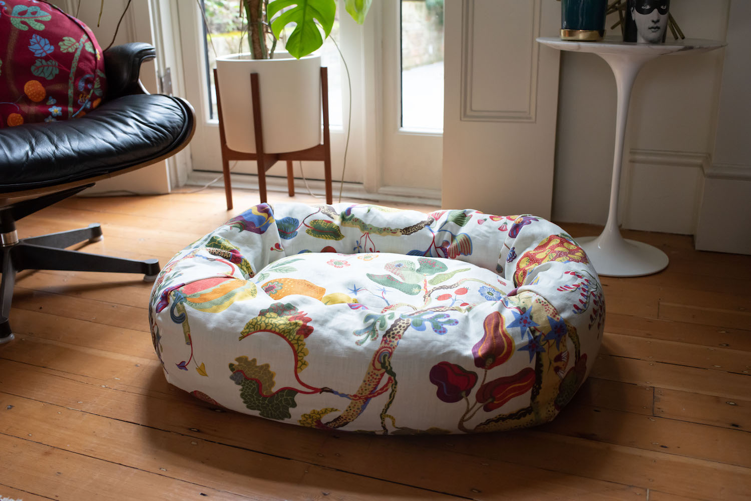 CREATE YOUR OWN DOG BED
