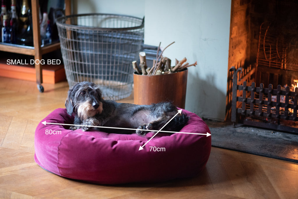 small red dog bed 80 by 70