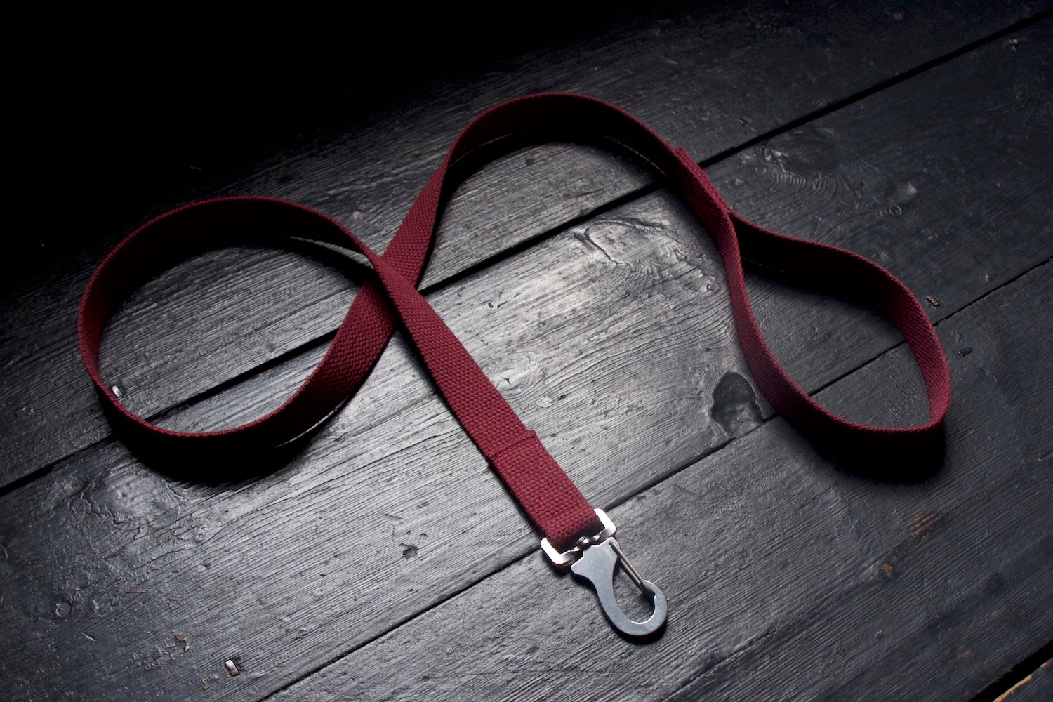 burgundy dog lead