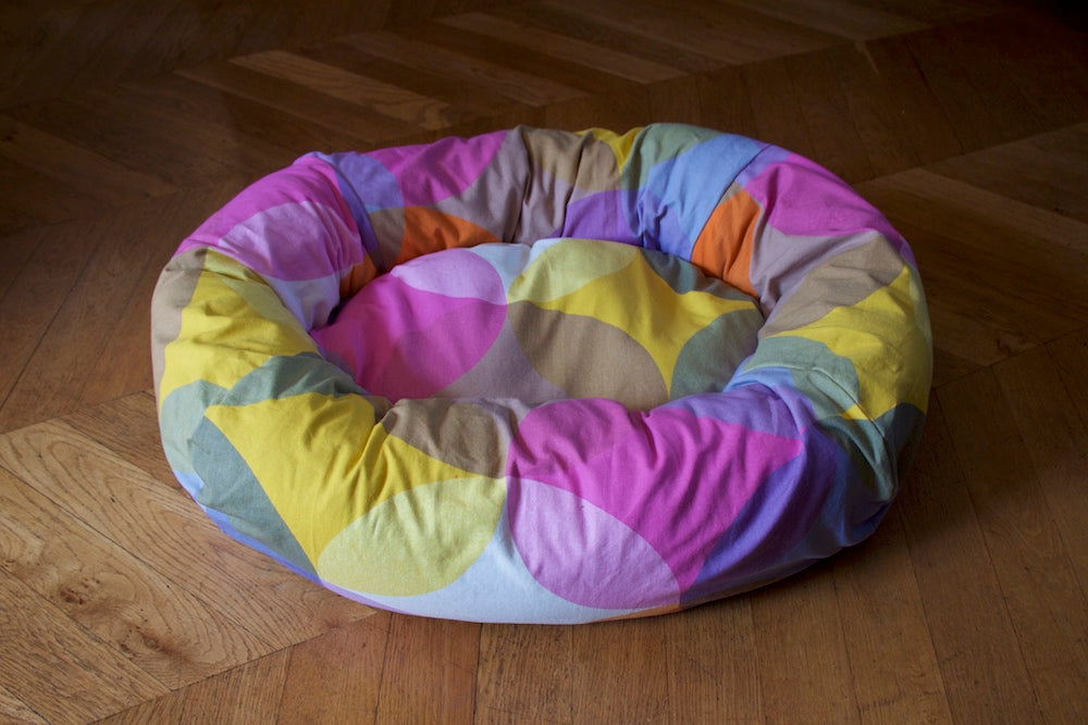 geometric bed for small dog