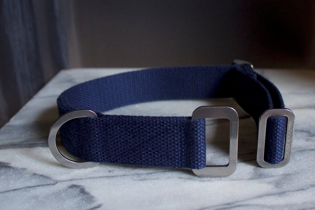 navy blue collar