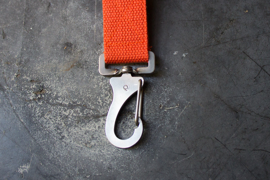 orange lead with steel clip