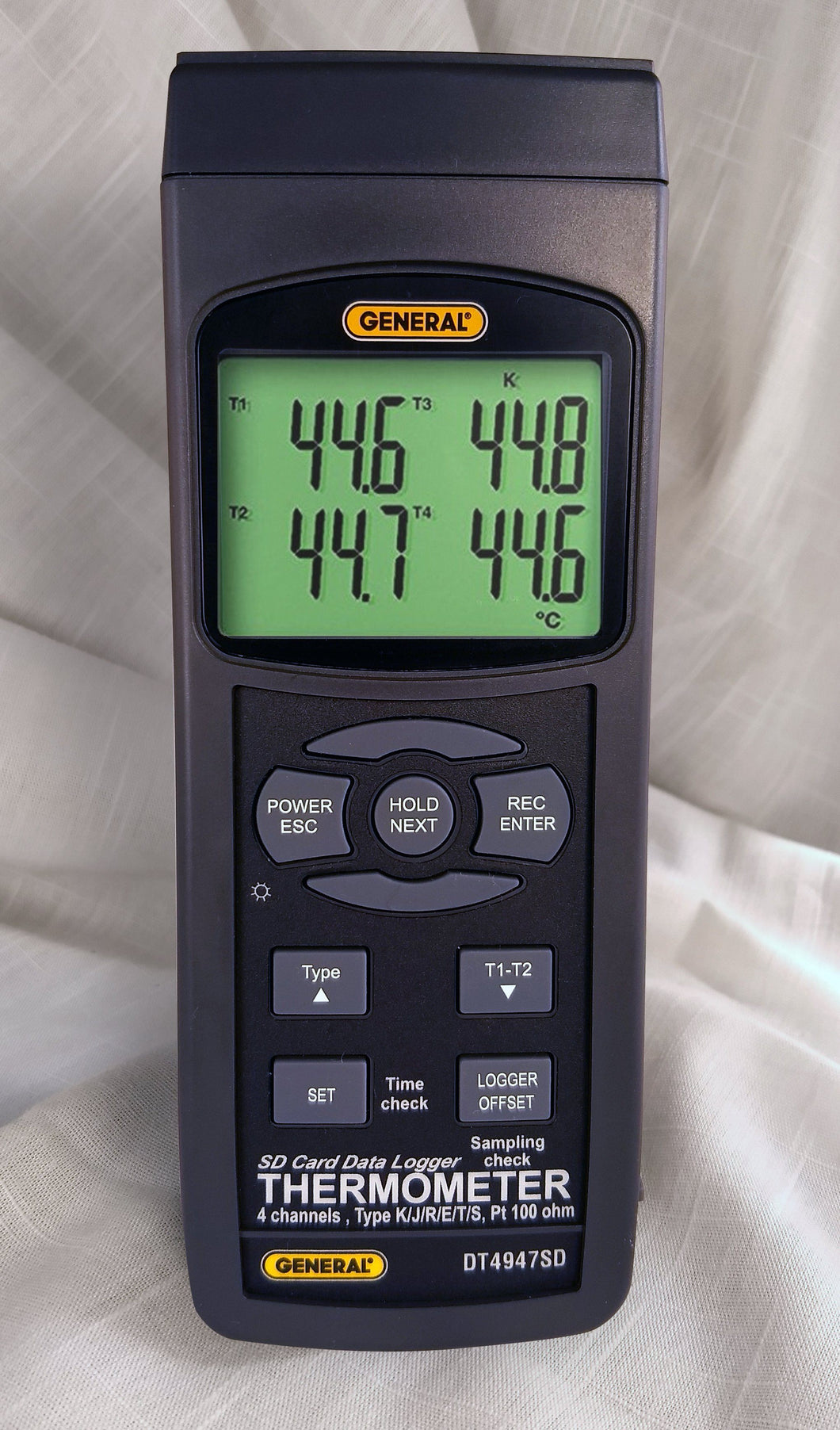 4 Channel Thermocouple/RTD(PT100) Data Logger with SD Card, General Tools Model DL-GT-DT4947SD