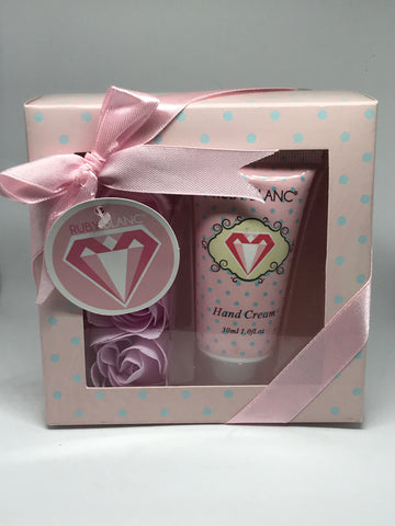 """Everlasting Beauty"" Roses Hand Care Kit"