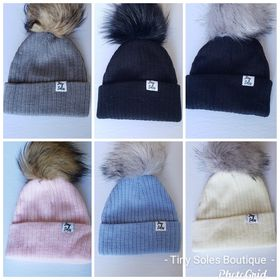 Ribbed Faux Fur Pom Beanie