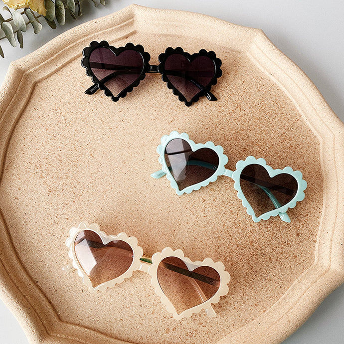 Loves Me Not - Heart Shaped Sunnies