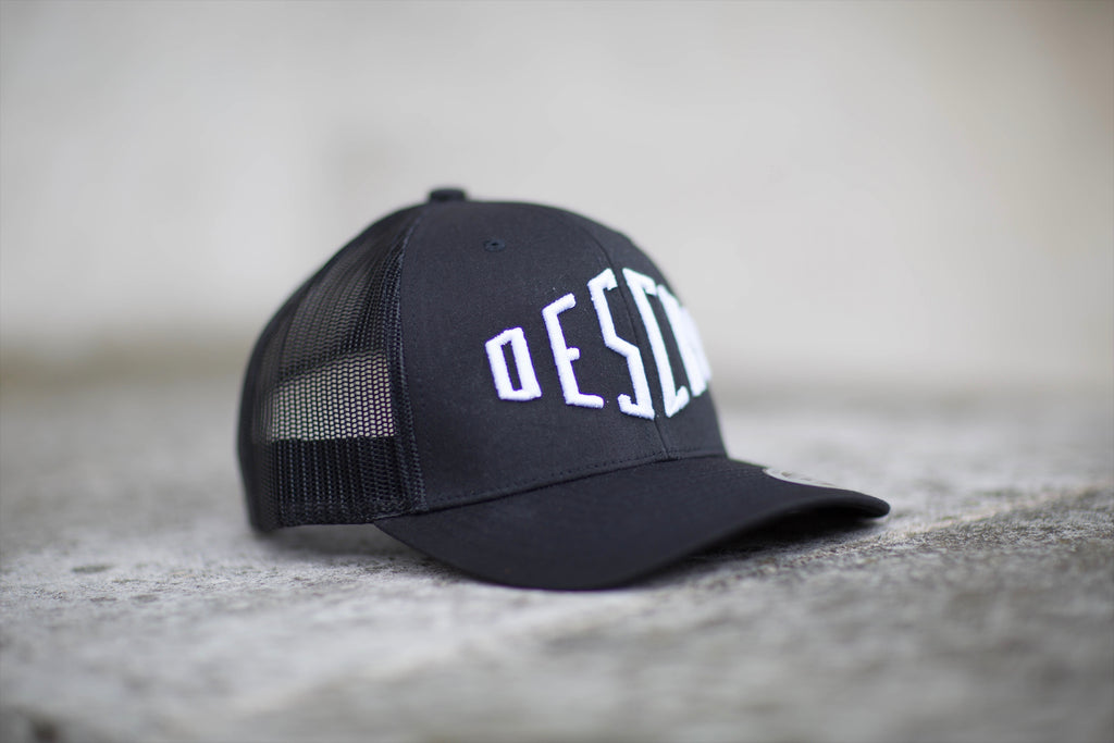 Black Curved Peak Mesh Trucker