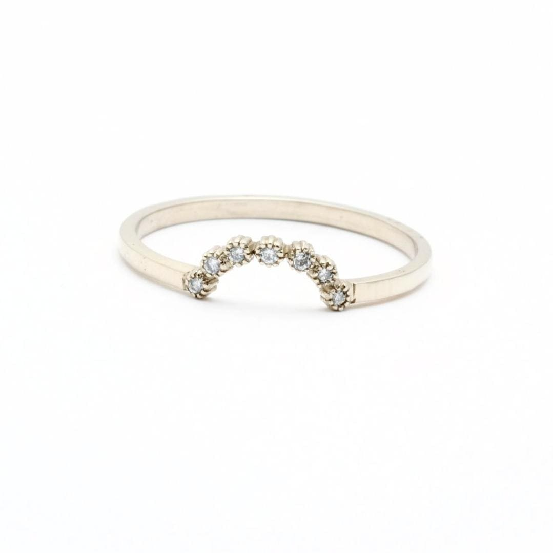 Curved diamond white gold ring