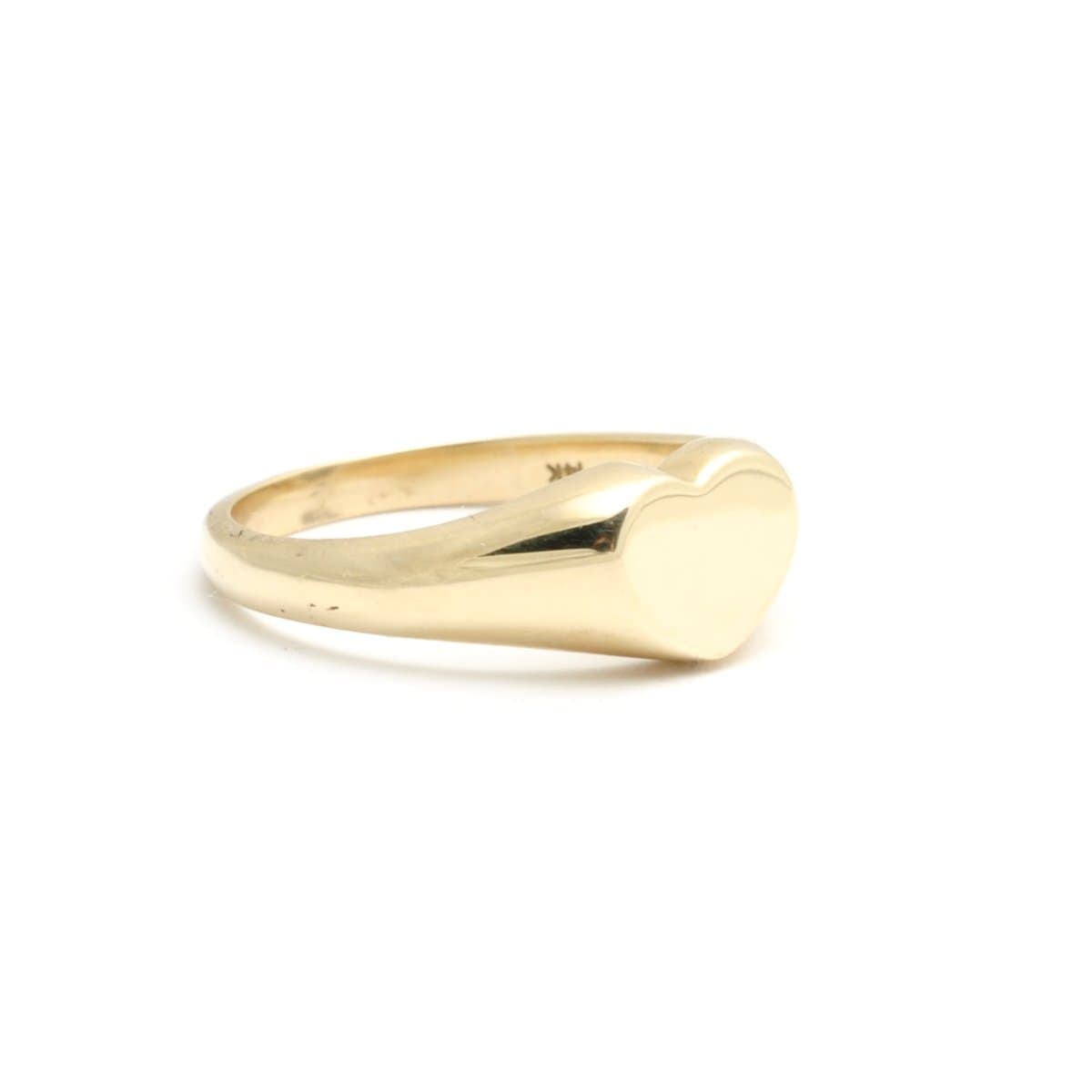 Medium Heart Signet Ring Yellow Gold