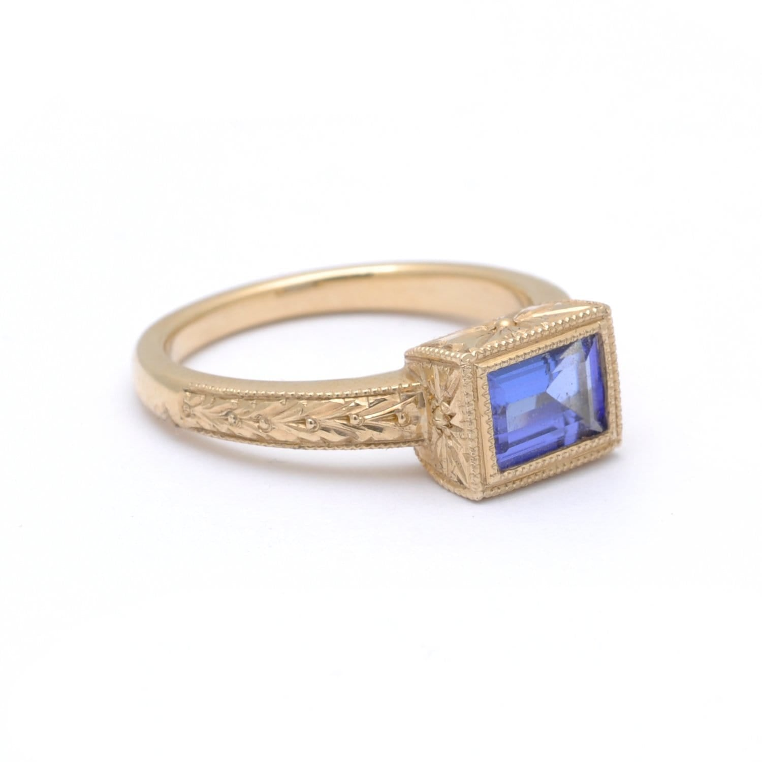 Blue Tanzanite Solitaire Yellow Gold Ring