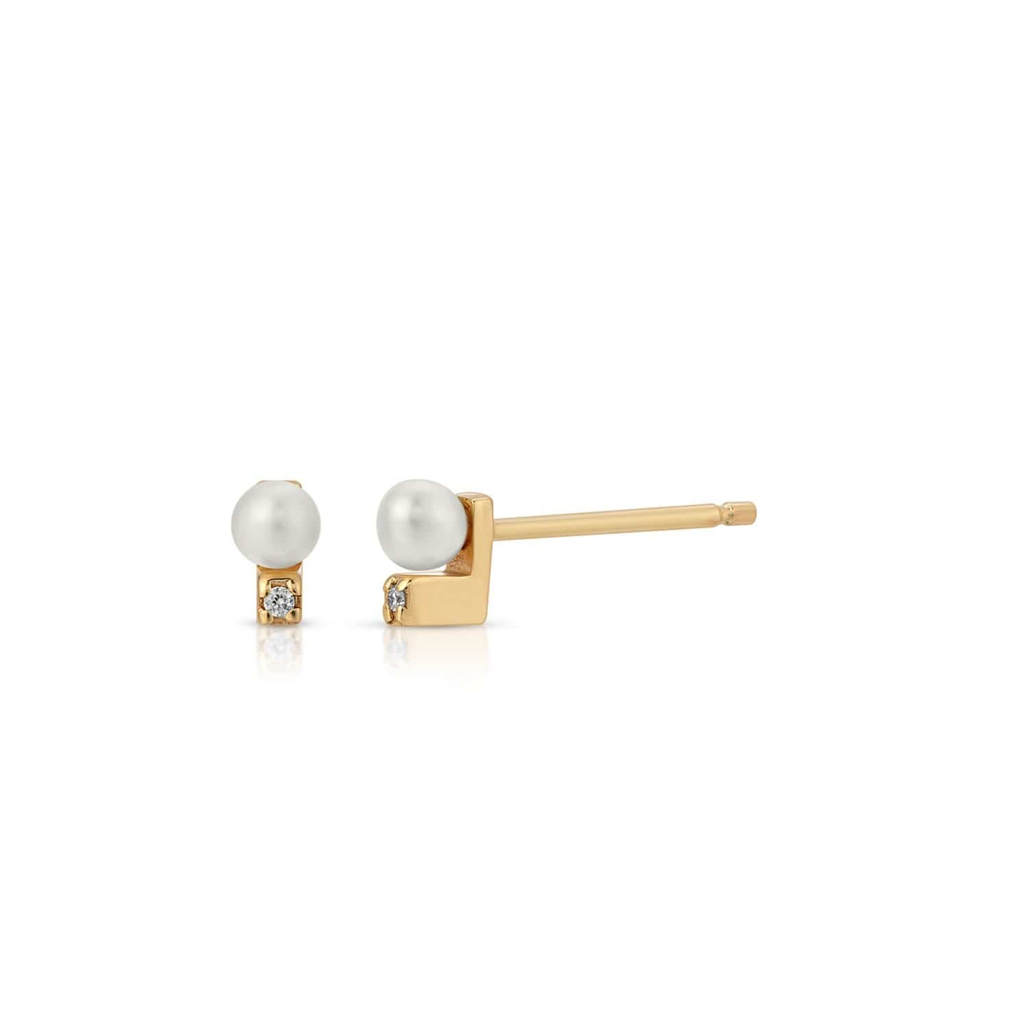 Diamond Pearl Gold Studs Letreaime