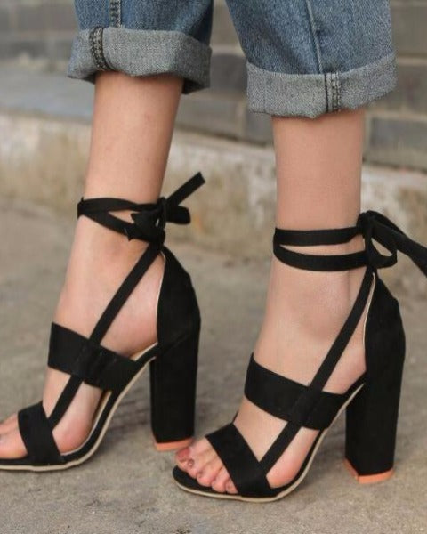c92a6c1b0aa245 Sterling + Koi - Mujer Ankle Strap Sandals - Black