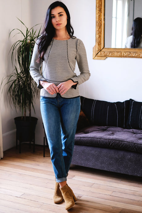 svetlana k top amelie chic parisien look effortless raffine naturel parisienne face