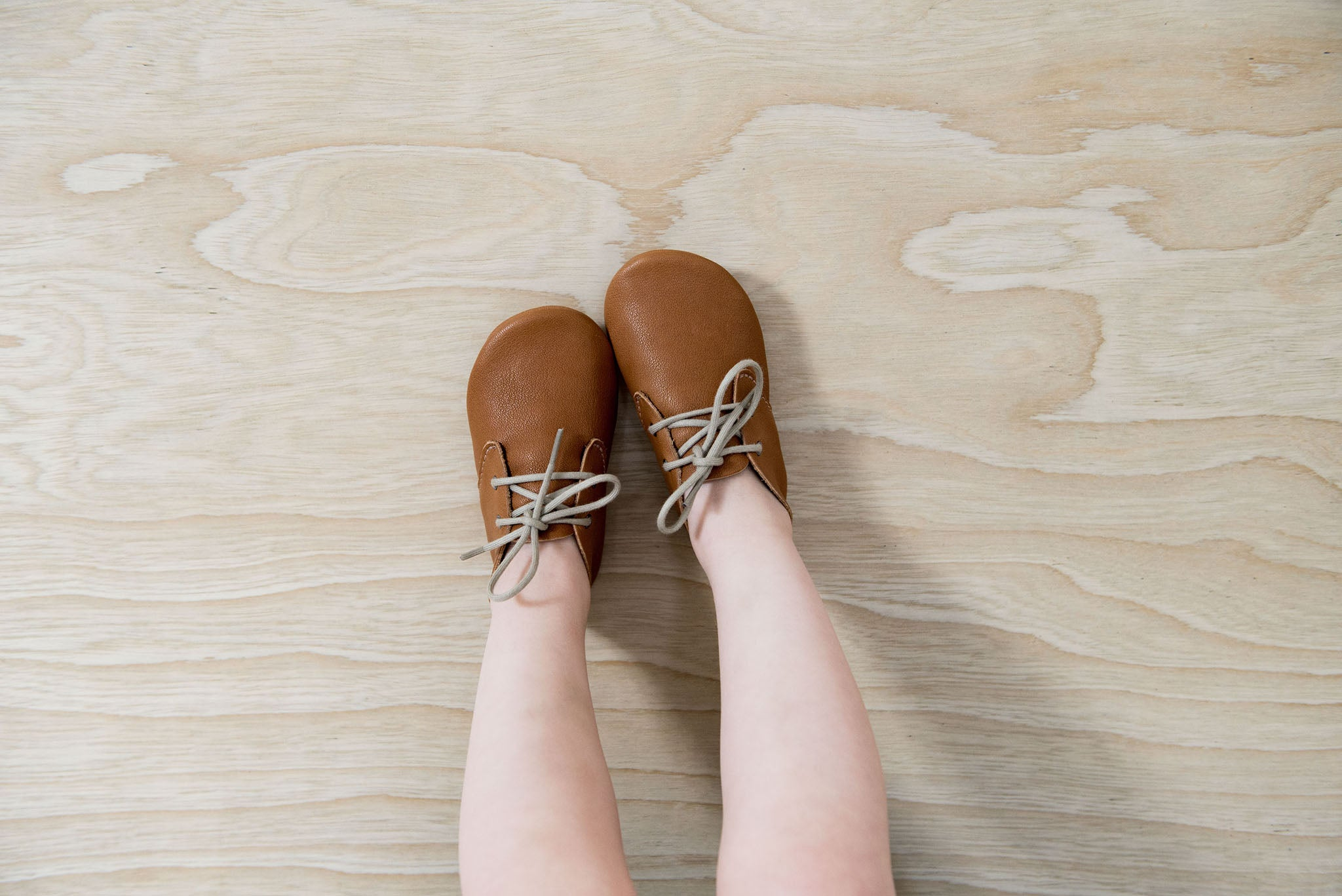 Amy and Ivor Cinnamon Travellers classic tan lace ups