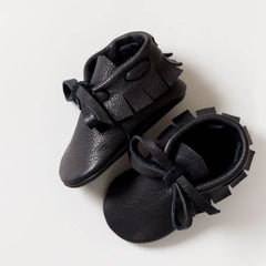 amy and ivor handmade laced moccasins for babies black veg tanned eco leather