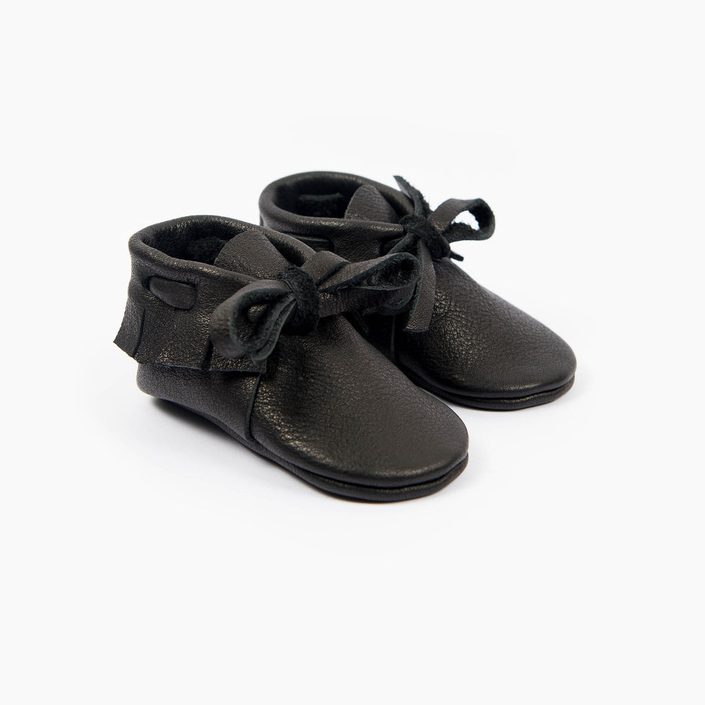 BLACK LACED MOCCASINS