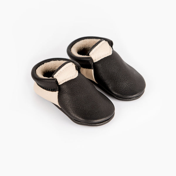 BLACK/CREAM URBAN MOCCASINS