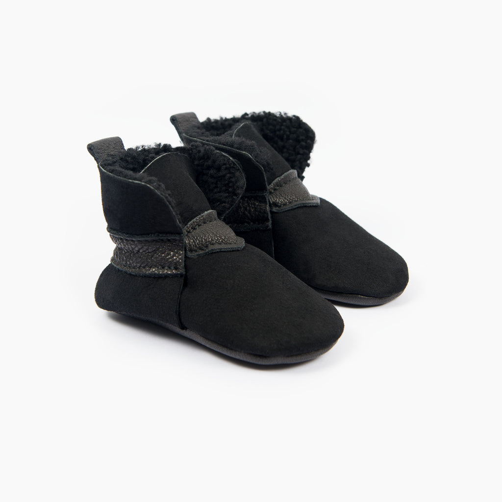 BLACK SHEEPSKIN BOOTIES