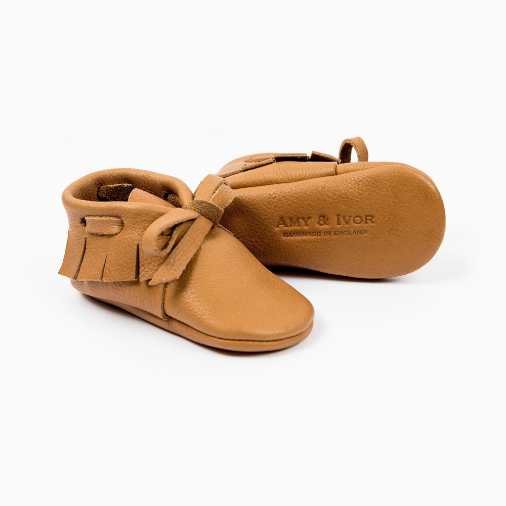 CINNAMON LACED MOCCASINS STOCK SALE - VARIOUS SIZES